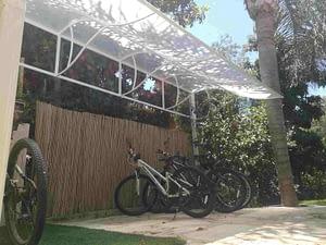 סוכך קבוע לחניית אופניים