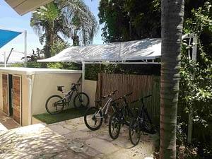 סוכך קבוע לחניית אופניים מבט צד