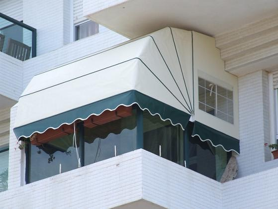 מרקיזה חשמלית למרפסת